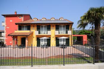 AGRITURISMO TERRA E SOLE - Camere e appartamenti BARDOLINO
