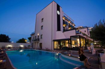 HOTEL RIMINI FERRETTI BEACH - hotel a rimini fronte mare RIMINI