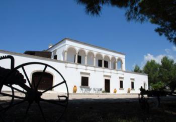 ANTICA MASSERIA JORCHE - Agriturismo a 5 km dal mar Jonio TORRICELLA