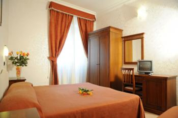 HOTEL LUCIANI - Hotel a Roma Termini ROMA