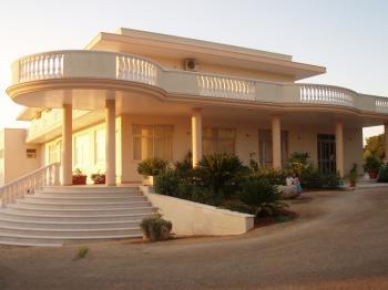 HOTEL  RISTORANTE PUNTO VERDE - Suggestivo, elegante, cordiale NOCI
